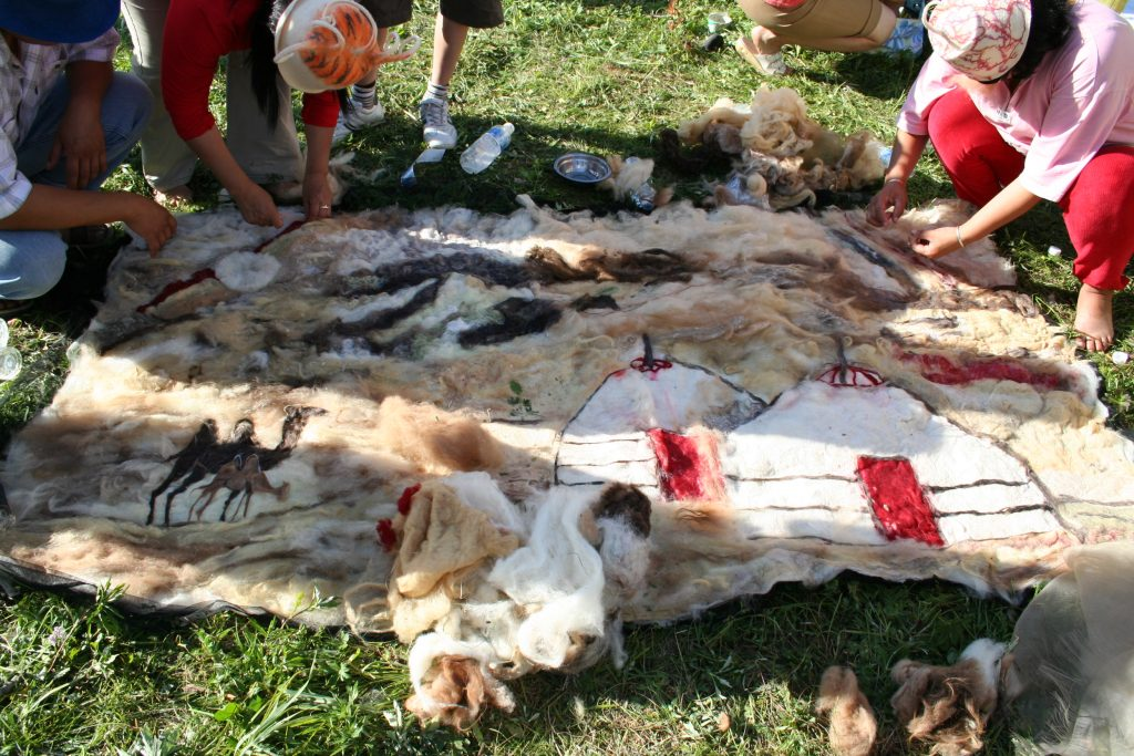 Mongolian handicrafts fair trade Pure organic sheeps wool
